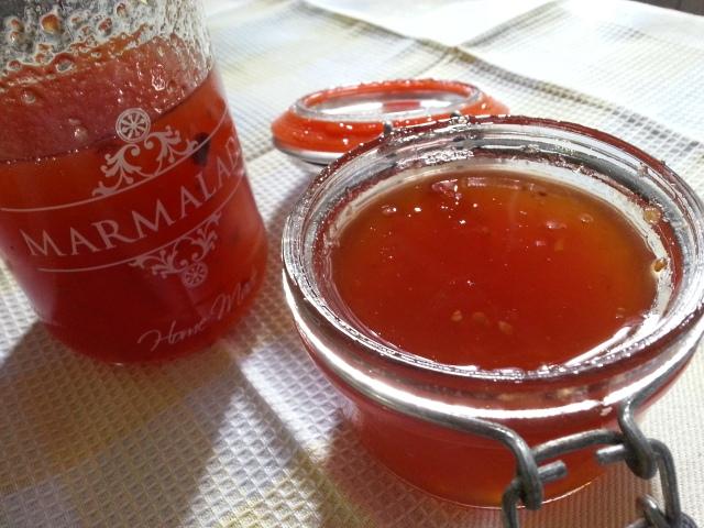Mermelada de tomate picante, para días interminables.